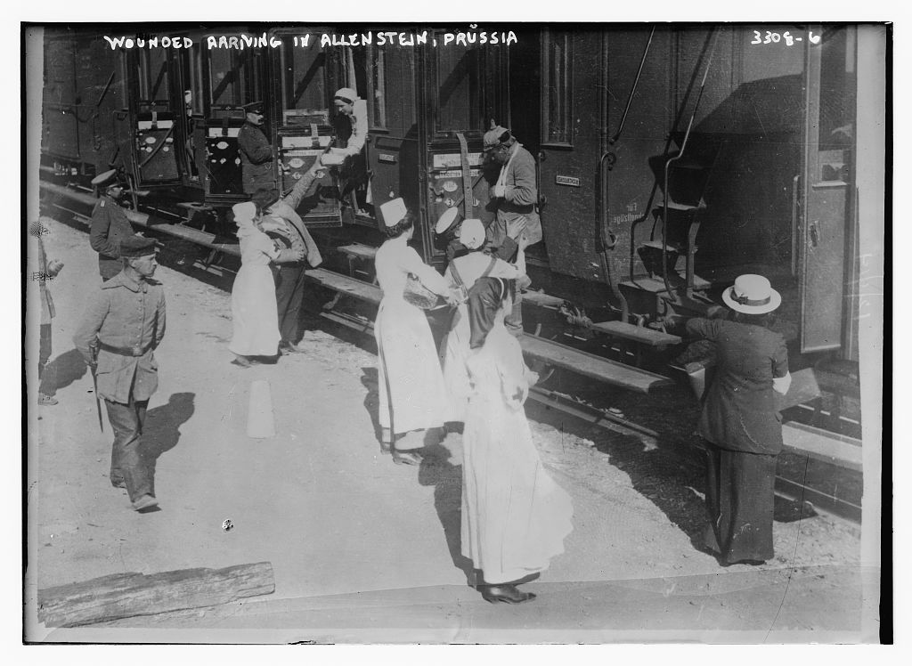 Wounded arriving in Allenstein, Prussia  (LOC)