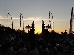 do, 24/11/2011 - 12:48 - 073. Zon gaat onder in Uluwatu