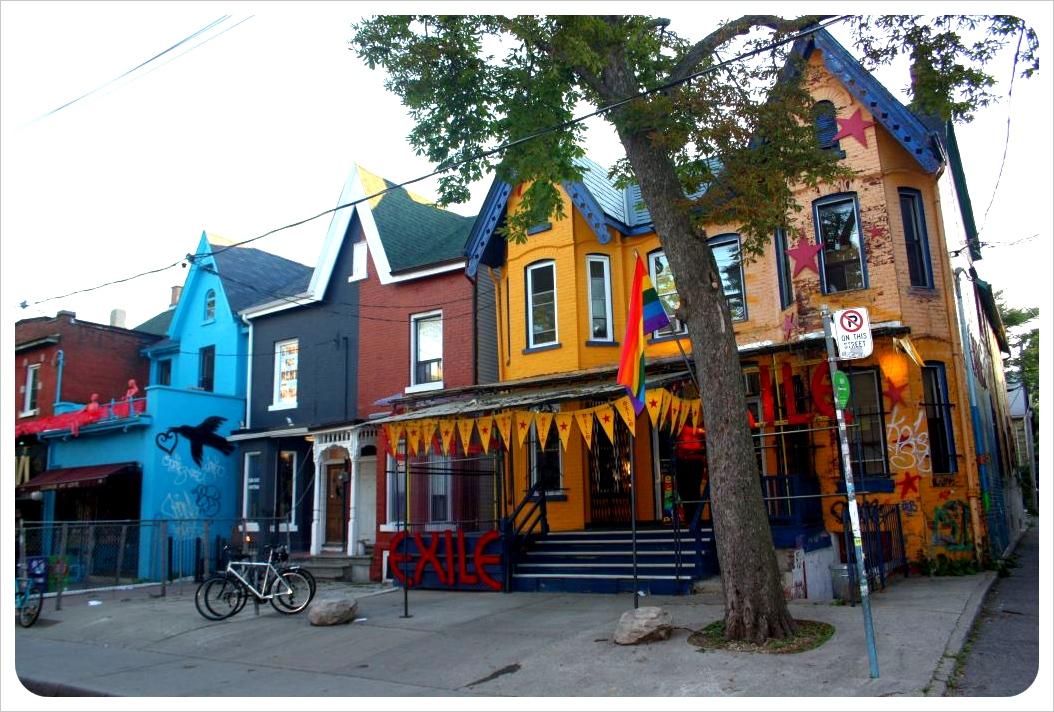 toronto colorful houses