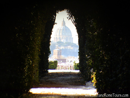 Aventine Hill Key Hole, Snow in Rome | by StefanoRomeTours
