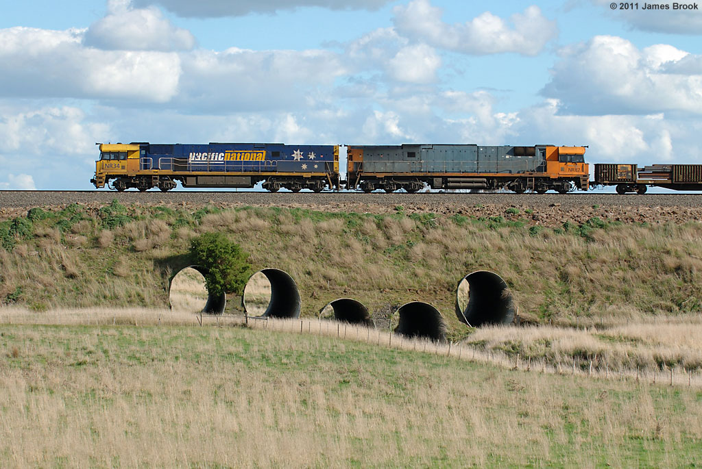 NR34 and NR87 with 6PW4 at Gnarkeet Creek by James Brook