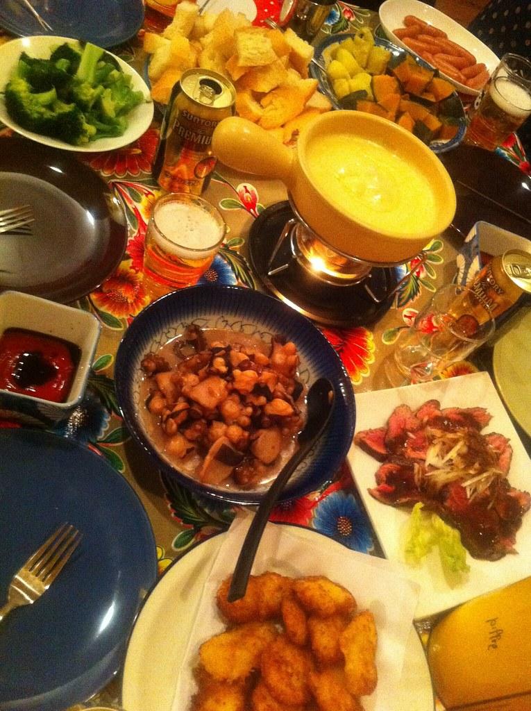 毎年恒例の新年会☻今年はチーズフォンデュパーティ!