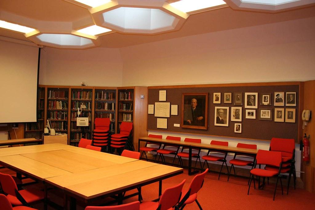 Sherrington Seminar Room, Sherrington Building, University of Oxford