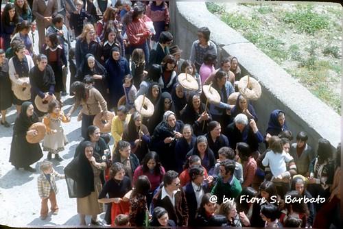 """Stilo (RC), 1973, Processione del Sabato Santo, o del """"Monumentu""""."""