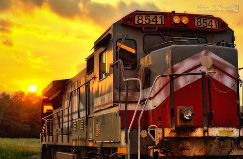 sunset train unitedstates bangor maine locomotive hdr mma montrealmaineatlanticrailway