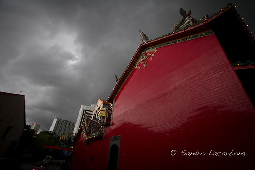 Red wall   by Sandro_Lacarbona