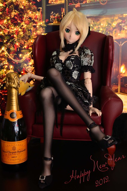 [Explore] Happy New Year 2012 with Saber Lily セイバー・リリィ Dollfie Dream
