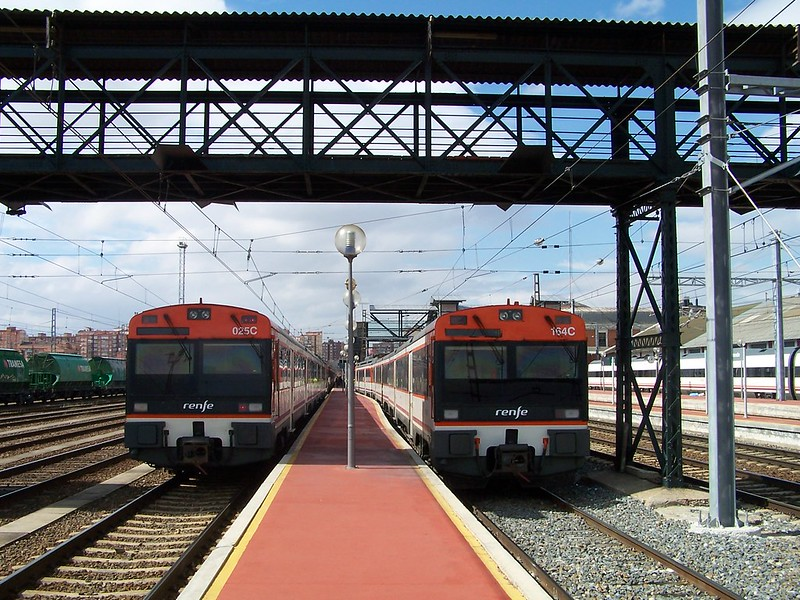 Trenes 470 aparcados