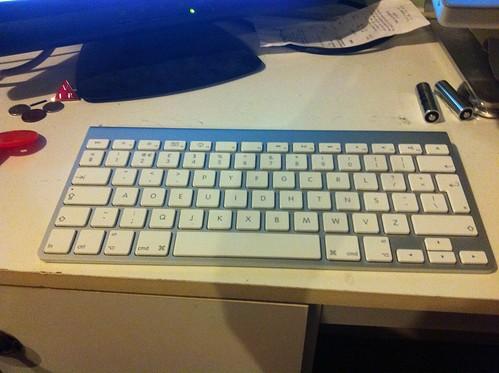 Apple Wireless keyboard with Dvorak simplified layout