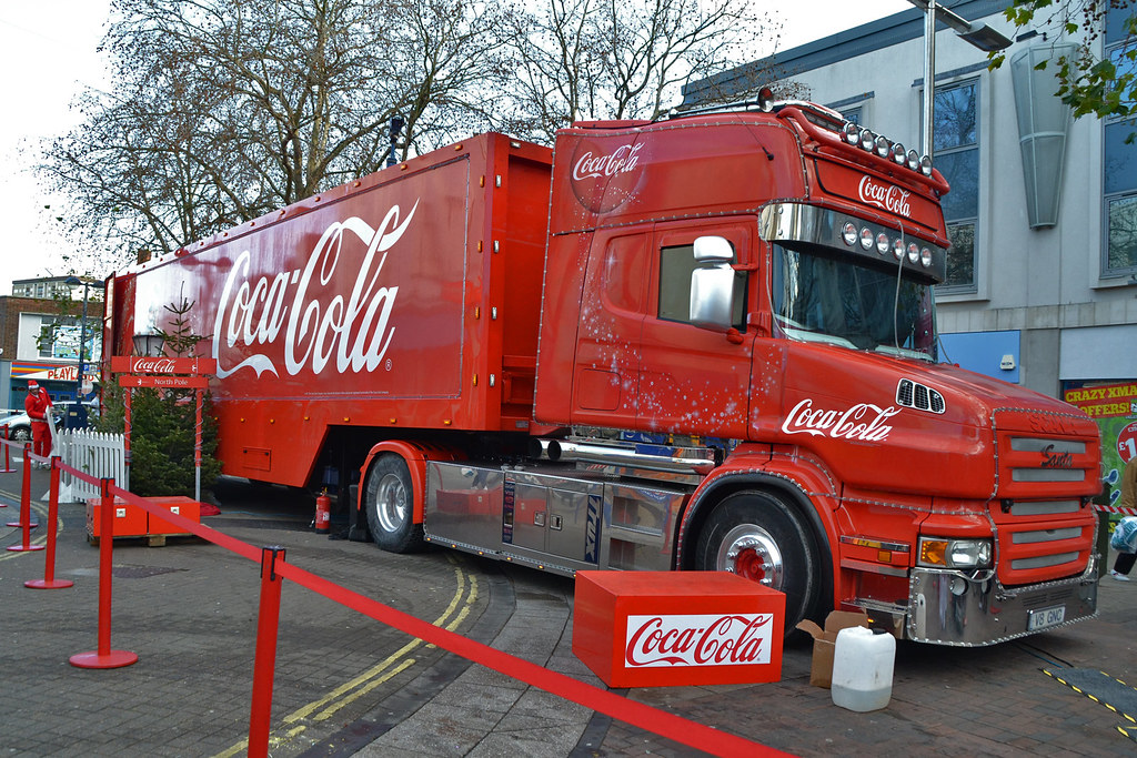 """Day 18 - Train """"Shake up Christmas"""", Coca Cola song! 