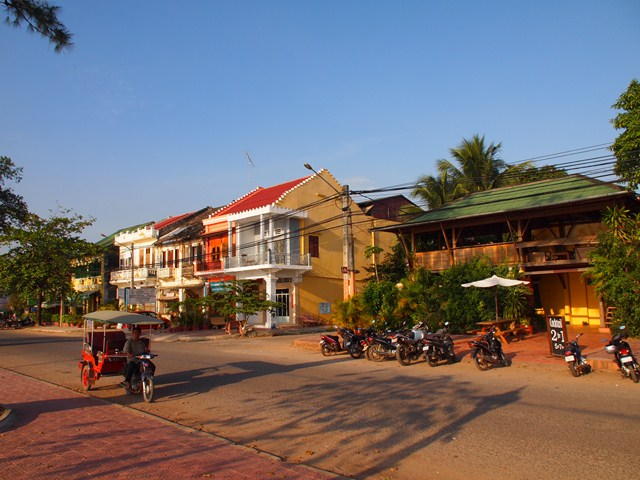 Old colonial houses (Kampot, Cambodia 2012)