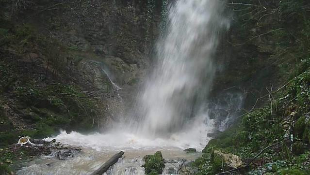 La grande cascade d'Ivrey VIDEO