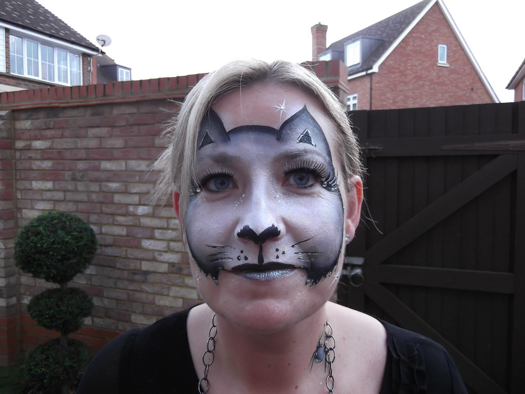 Halloween Cat Face Painting