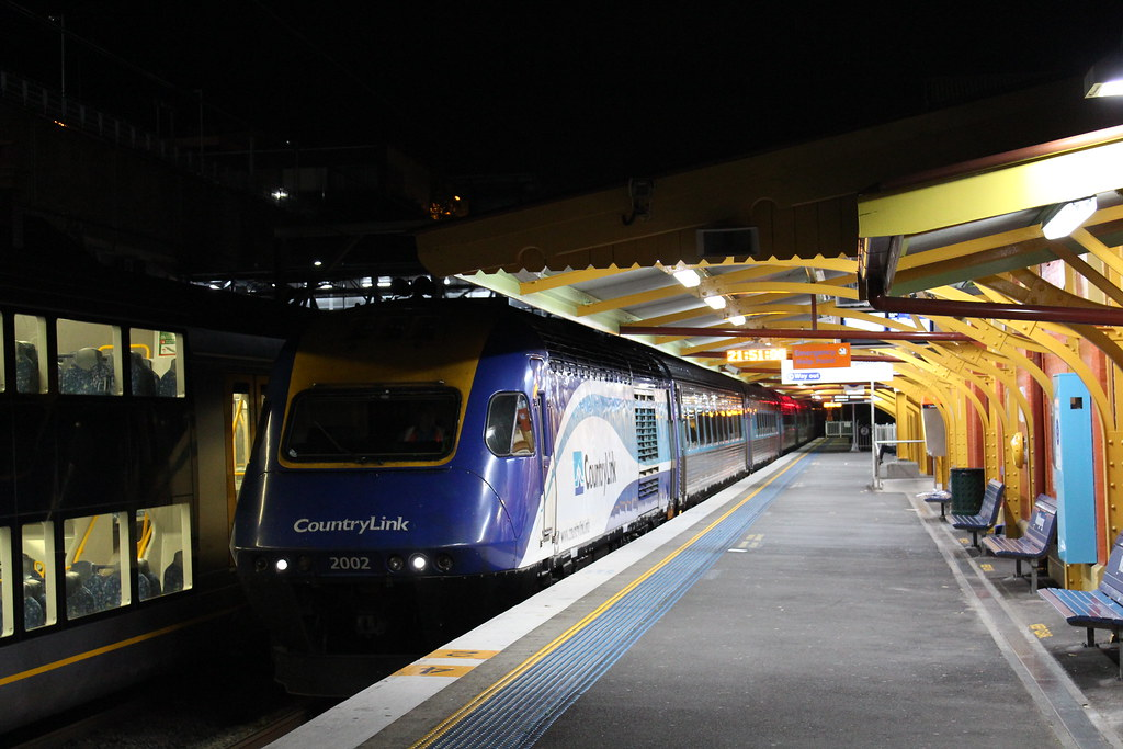XP2002 on ST21 at Wollongong by Dean Jones