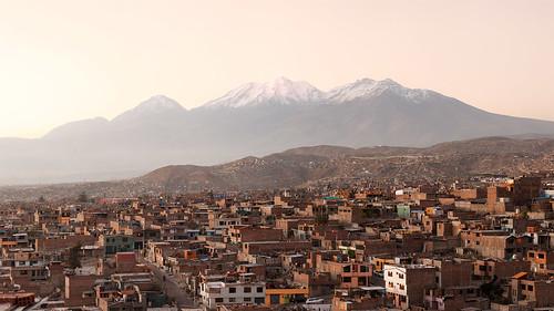 peru arequipa urban sprawl mountain chachani evening panorama sixteenbynine cameracanon5d2