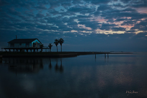 sunset camp water clouds bay texas palmtrees np cloudscape beachhouse christmasbay brazoriacounty raisedhouse bluewaterhighway wyojones folletsisland countyboatlanding amigolane cord2575 texasstatehighway257