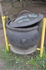 Paperera feta amb un pneumàtic reciclat