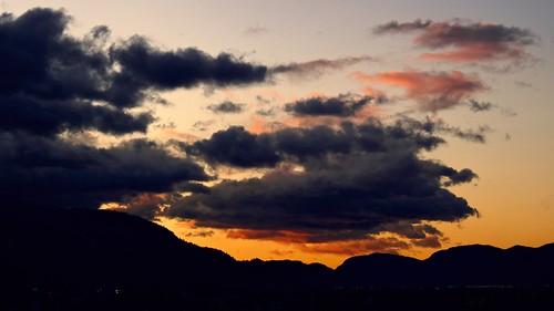 autumn cloud canada fall silhouette landscape dawn darkness britishcolumbia okanagan panasonic penticton lx5 nigeldawson dmclx5 jasbond007 copyrightnigeldawson2011
