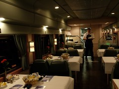 火, 2010-11-30 18:54 - Amtrak Crescent NYC -> New Orleans 食堂車
