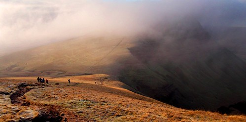 Brecon Beacons the last big climb #dailyshoot #Wales | by Leshaines123