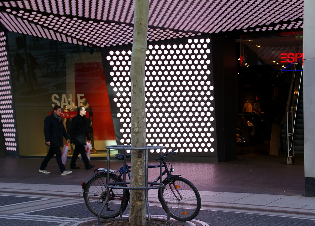 Frankfurt, Zeil, Esprit | Was auch immer die Kunden suchen, … | Flickr