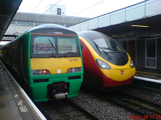 TRAINS AT COVENTRY, CL 321 411 AT PLATFORM 4 FOR BHM,A VT PENDOLINO DEPARTS PLAT 3 FOR BHM,29.07.09 | by rob newboldmeister general