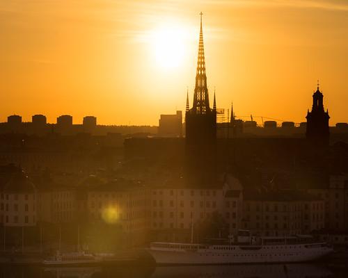 orange sun sunrise europe sweden stockholm sony sthlm riddarholmen kyrkan sonyalpha mälardrottningen sal70300g2 redfurwolf