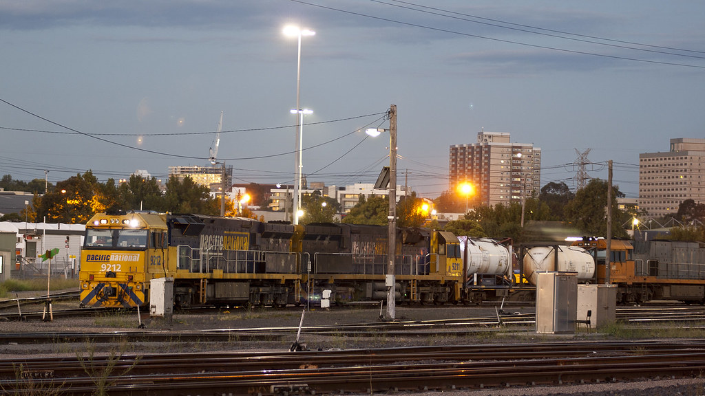92s at South Dynon by michaelgreenhill