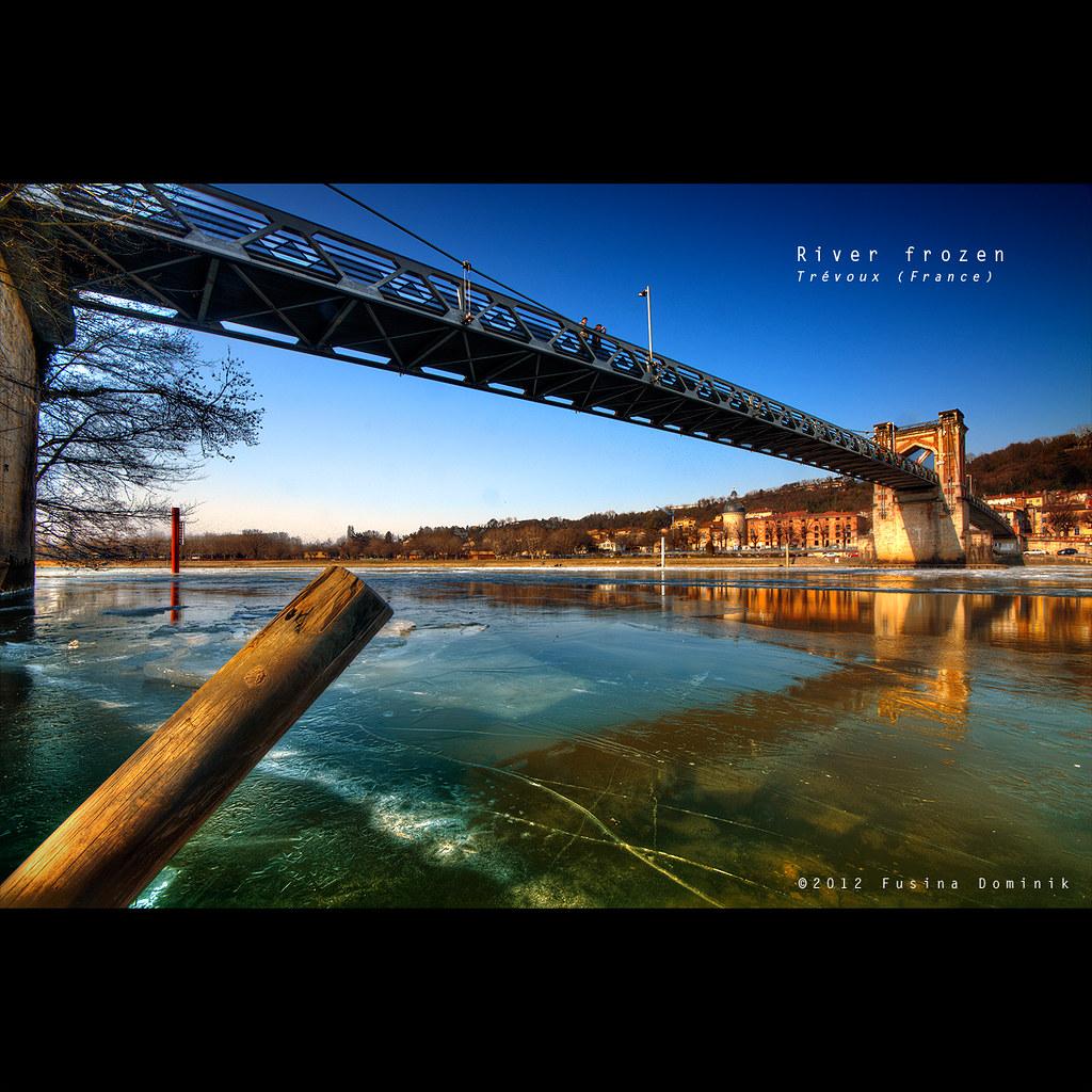 Frozen river | Trévoux (France) {explored}