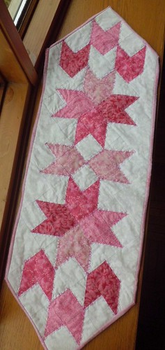 Tulip Table Runner | by dresdenquilter
