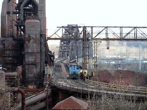 bridge ohio mill river belt high rust industrial pittsburgh steel line furnace blast wheeling steubenville switcher emd sw1500 stuebenville sw1200