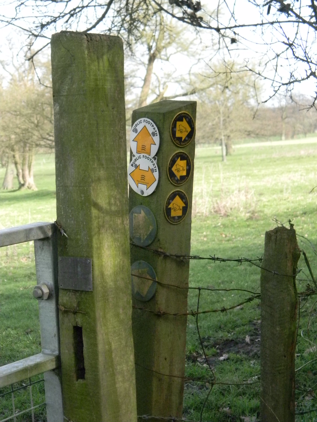 Is this a record? part 2 17 waymarks on one post. The remaining 7. Wakes Colne to Bures