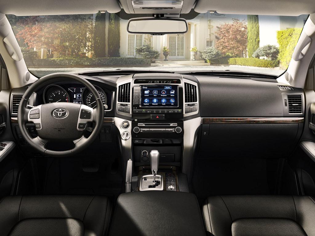 Kelebihan Kekurangan Toyota Land Cruiser 2012 Review