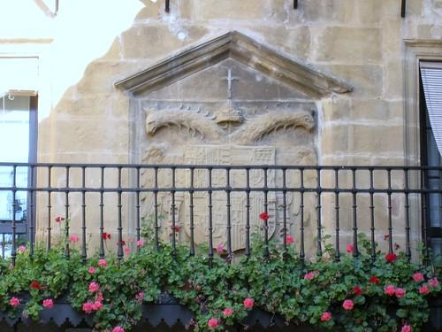 Laguardia (Álava). Antiguo ayuntamiento. Escudo imperial de Carlos I