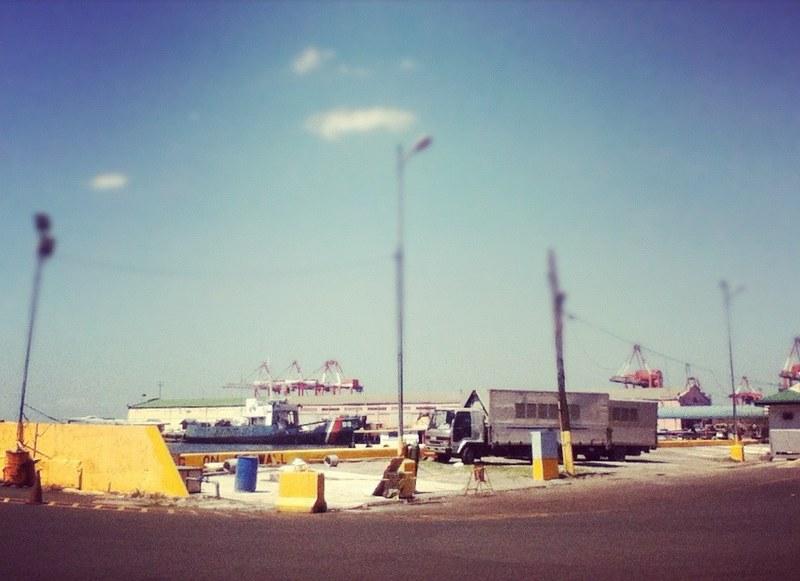 Week 9, 2012: Manila Pier