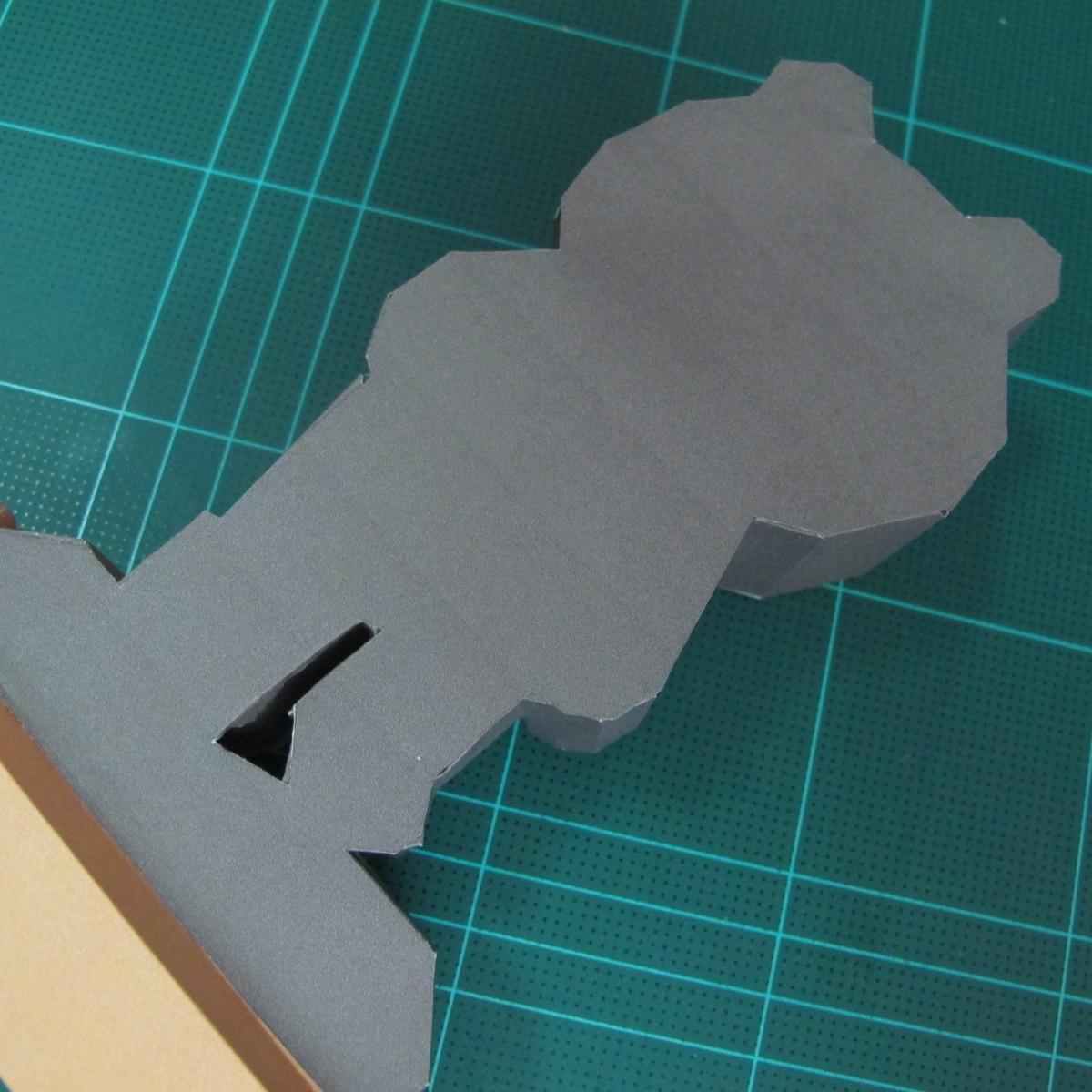 วิธีทำโมเดลกระดาษ ตุ้กตาไลน์ หมีบราวน์ ถือพลั่ว (Line Brown Bear With Shovel Papercraft Model -「シャベル」と「ブラウン」) 028