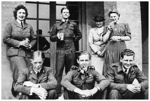 RAF Bomber airmen (Image Ref: A09252P)