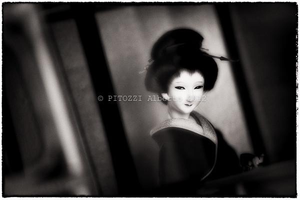 A seductive Geisha