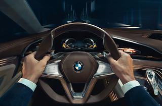 13 BMW-2014-Vision-FL-INT05
