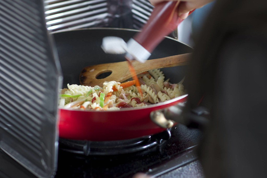 Her First Cooking / 料理一品初めて通して作った   rok1966   Flickr