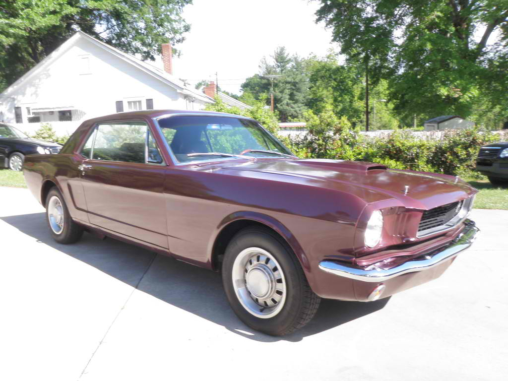 1966 Ford Mustang Coupe V-8 only 1300 miles ...