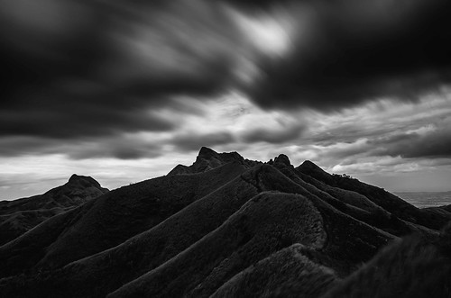 bw white mountain black mountains clouds landscape long exposure philippines nd batangas batulao philippnesmtbatulaoblackandwhitebw philippnesmtbatulao