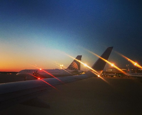 travel sunset plane square dusk taxi united jet houston squareformat airlines mayfair unitedairlines travelphotography a6000 iphoneography instagramapp uploaded:by=instagram sonya6000