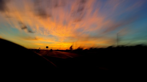 sunset driving perspective interstate windshield galaxys5
