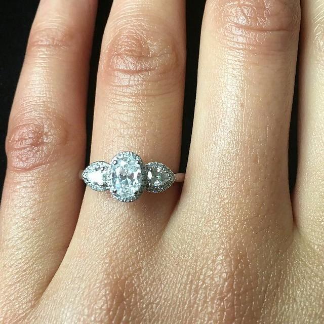 Amazing engagement ring ♥ #engagementrings #diamondring #goldjewellery #gold #engagement #rings #diamonds #diamondjewellery #jewellery #wedding #ido #bride