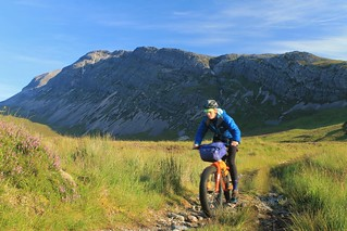 Descending from Arkle | by Pikes On Bikes