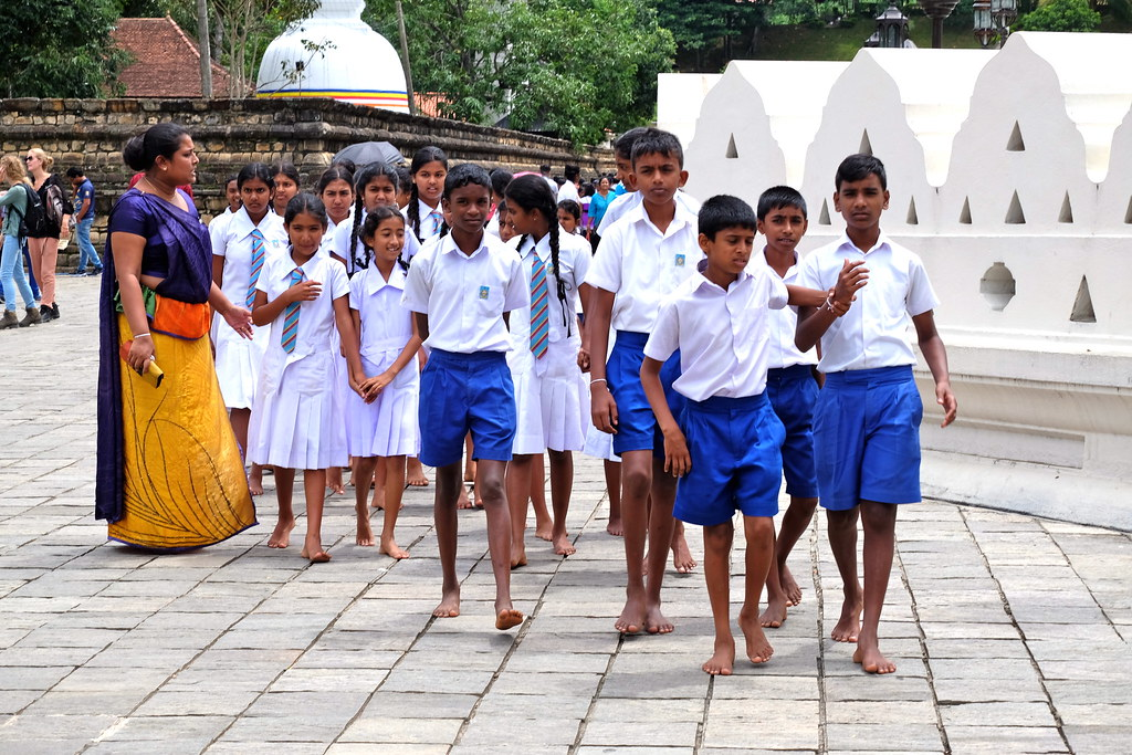 School uniform, Sri Lanka