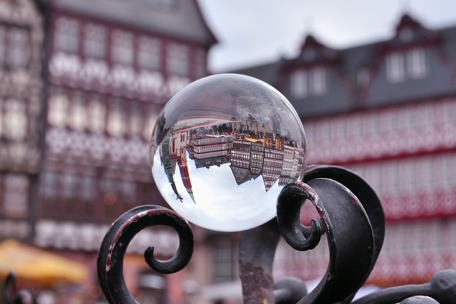 Half timbered work in a sphere