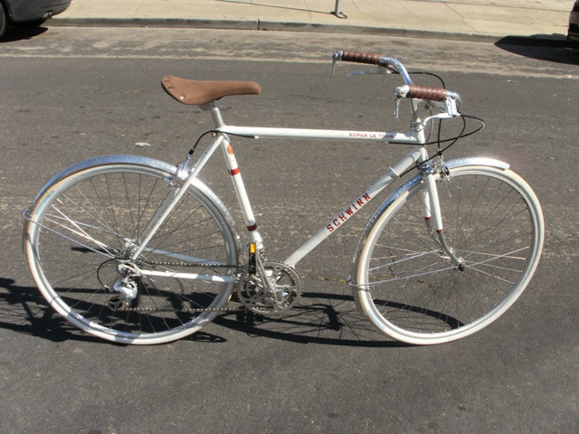 Schwinn Super Le Tour | Vintage white Schwinn with Velo Oran