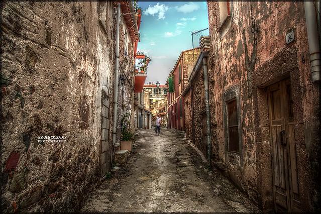 Bortigali - Italia - Typical little street